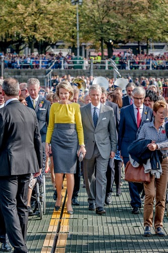 Outgoing Vice-Minister and Defence Minister Pieter De Crem, Queen Mathilde of Belgium, King Philippe of Belgium and Flemish Minister-President and Minister of Foreign Policy and Tourism Geert Bourgeois (N-VA) during the inauguration of the replica of the pontoon bridge across the Schelde river, in Antwerp