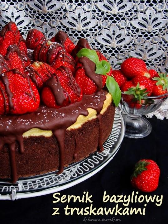 Sernik bazyliowy z truskawkami i czekoladą