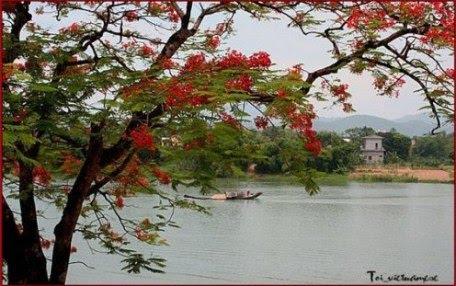 Cho thuê xe ở tại Huế- sông Hương