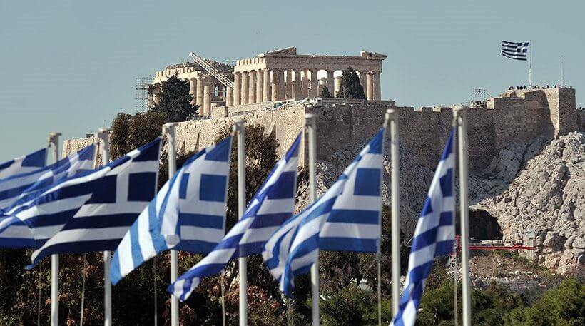 Σε όλη την Ευρωζώνη η Ελλάδα -μόνο- βυθίζεται ακόμα στην ύφεση