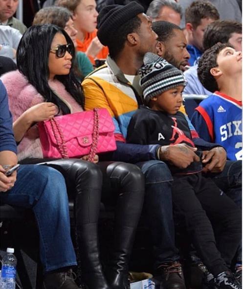 Nicki Minaj joins Meek Mill & his son at basketball game ...