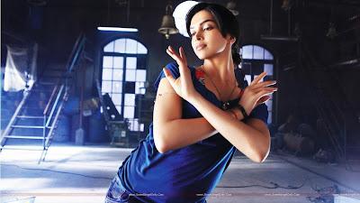 Bollywood Actress Deepika Padukone Wallpaper