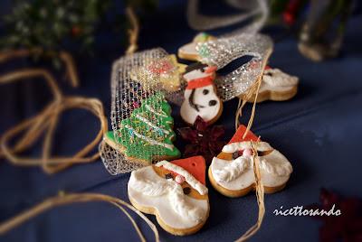 Biscotti speziati di Natale ricetta dolce da usare come segnaposto