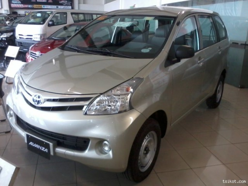 Toyota avanza 2wd hd 2013 gallery