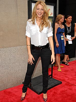 Blake Lively Outfits on Lul    Oui C Est Moi   Star Style  Blake Lively