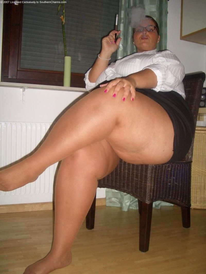 Think, Crossed legs bbw galleries
