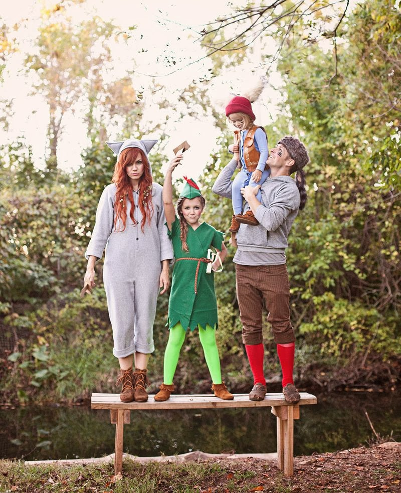 http://www.abeautifulmess.com/2013/10/peter-pan-and-the-lost-boys-costume-diy.html