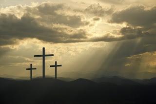 Vemos aqui que se o Senhor comparou o seu amor, com o de amor de uma mãe, não temos noção do tamanho deste amor, é muito grande, uma mãe dá a vida pelos seus filhos, assim como o Senhor se entregou por nós ali naquela cruz.