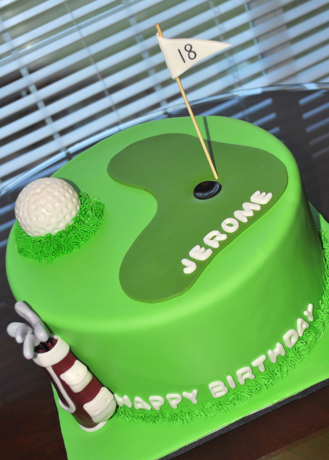 Hope s Sweet Cakes: Golf Cake and Cake Pops