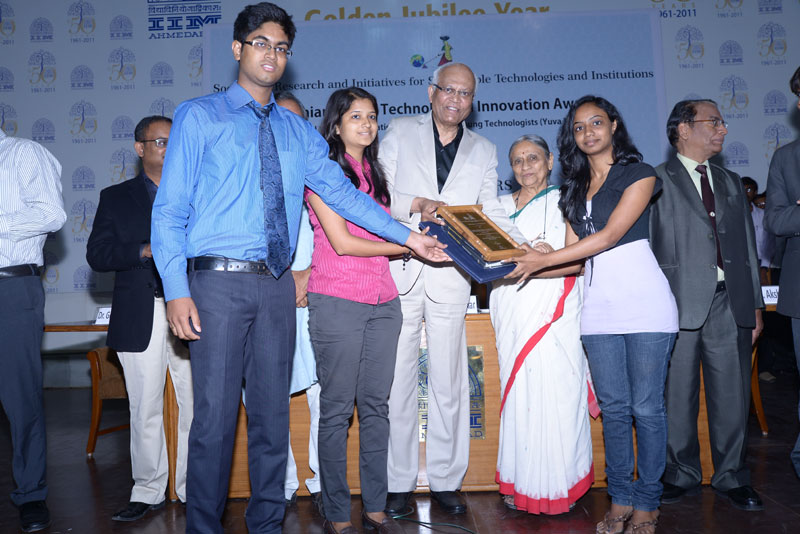 Inventor's of SHE : Niladri Basu Bal , Manisha Mohan ,Rimpi Tripathi receiving award at  Gandhian Young Technological Innovation Awards