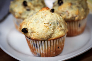 blueberry-oat-muffins