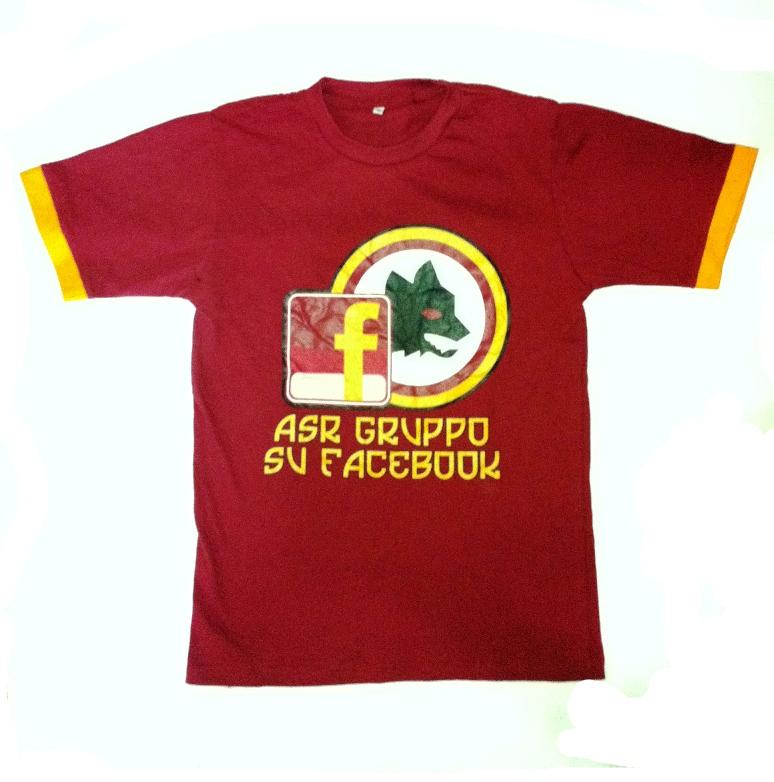 http://1.bp.blogspot.com/-TKKnKgD3Z3I/UGTyqMohhiI/AAAAAAAAArk/mUYPLFtEu4A/s1600/kaos+t-sirt+as+roma+facebook+%282%29.JPG