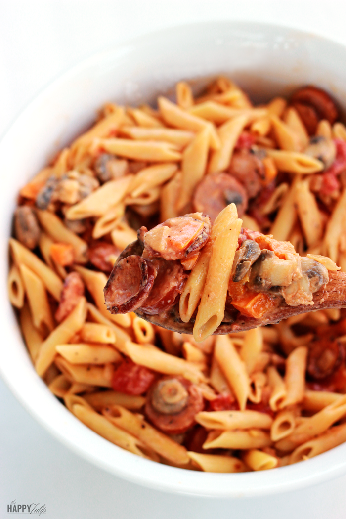 Quick and Easy Cajun Sausage Pasta -- thehappytulip.com