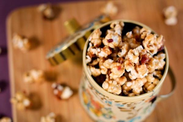 http://www.bakepedia.com/bacon-bourbon-salted-caramel-popcorn-recipe/