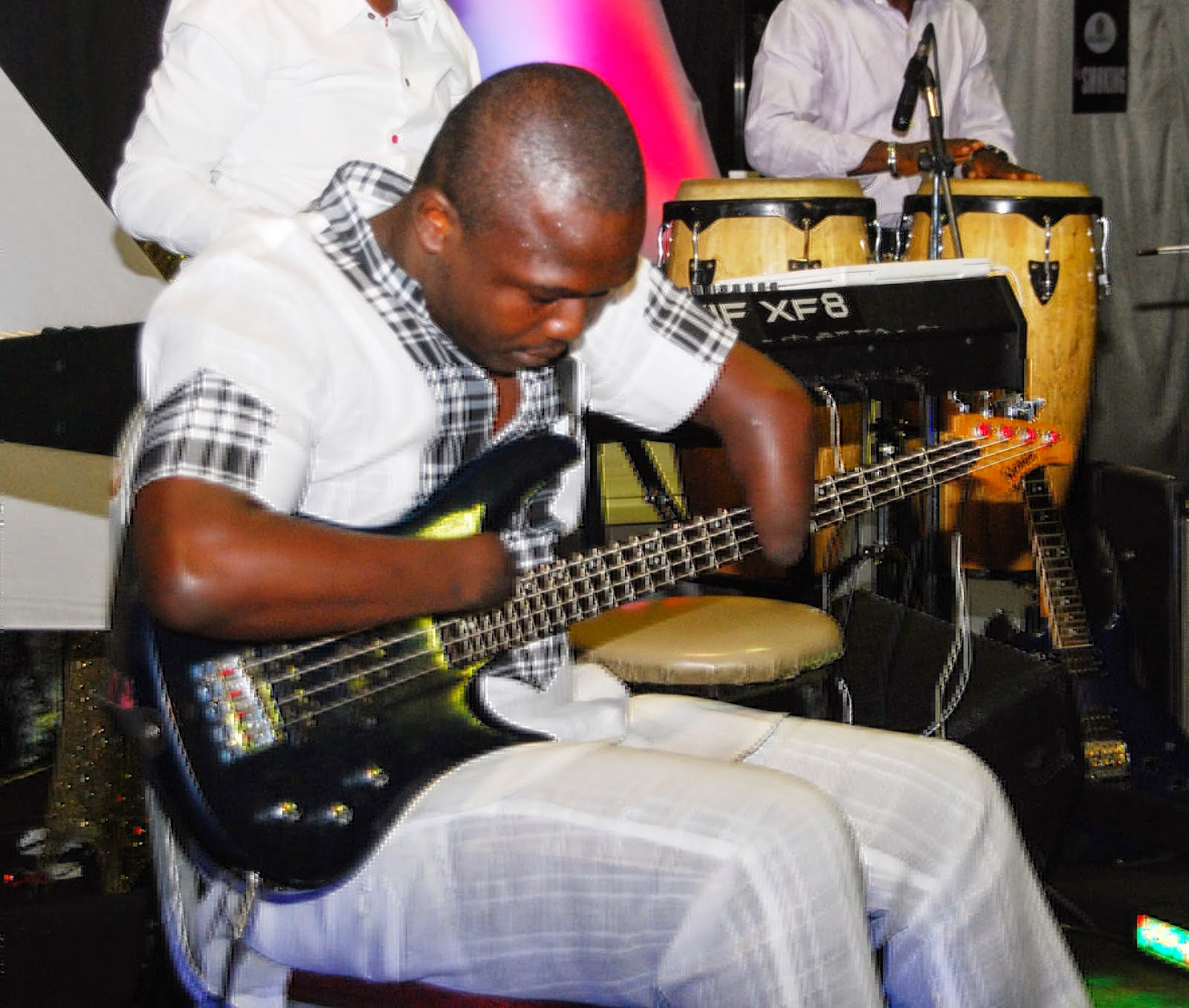 nigerian musician born without fingers