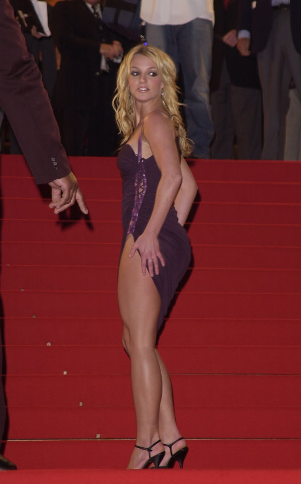 Scène Britney spear pantyhose gift from