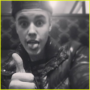 Funny Picture Justin Bieber on Justin Bieber Makes Funny Face   Justin Bieber Pictures