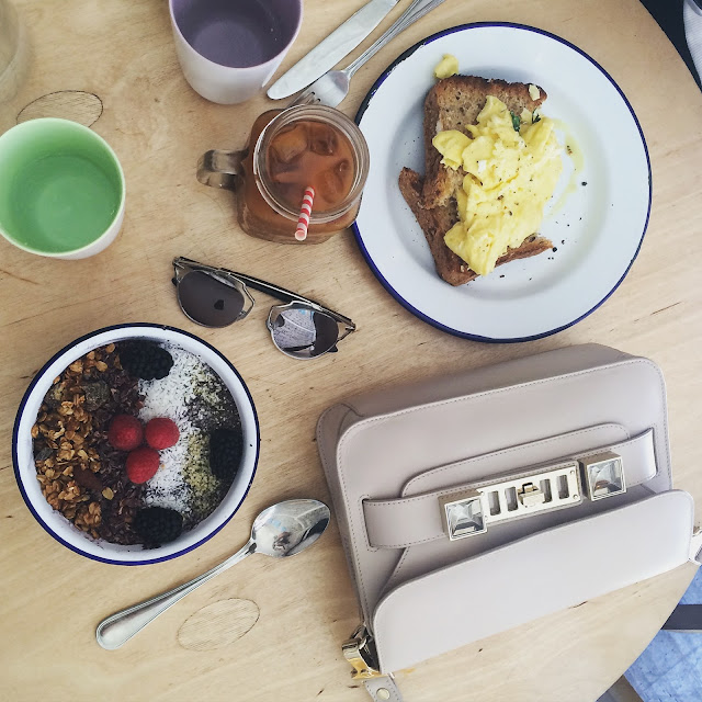 breakfast in manhattan best breakfast nyc brest brunch nyc new york city  proenza schouler ps11 beige silver acai bowl healthy iced coffee dior so real sunglasses dior sunnies eggs on toast