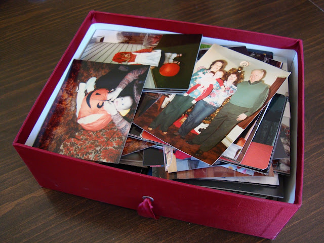 Tips for How to Organize a Mess of Family Photos