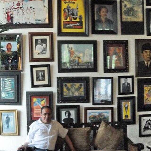 في مقهى باتافيا بجاكارتا