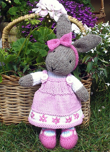 Easter Bunny Knitting Pattern : The Knitting Needle and the Damage Done: Easter Knitting Pattern Hunt