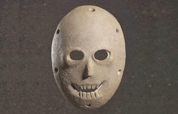 maschere in pietra risalenti a 9000 anni fa