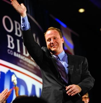 O deputado Jared Polis se tornou o primeiro pai assumidamente gay no Congresso (Foto: Getty Images)
