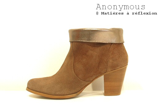 Boots en daim sable Anonymous