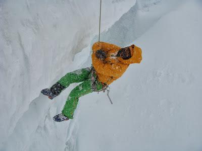 Prácticas de autorrescate en grietas en el Glaciar du Geant.