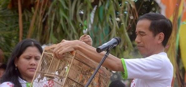 Untuk Dapatkan Energi Kekuasaan Istri Jokowi Ritual di Makam Tien Soeharto