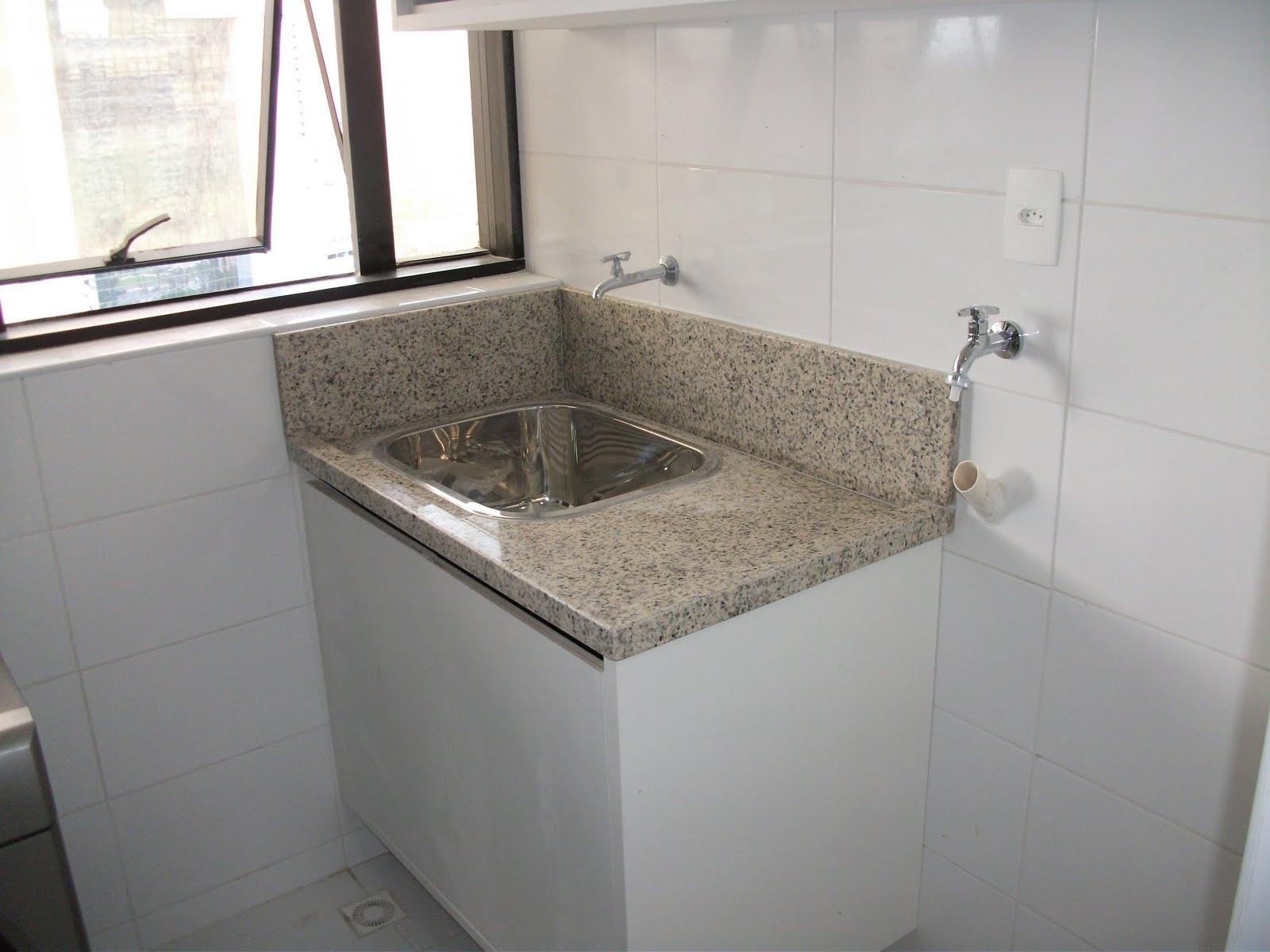 Granito Branco Cotton em Bancada de Área de Serviços #5A5146 1600x1200 Bancada Banheiro Branco Siena