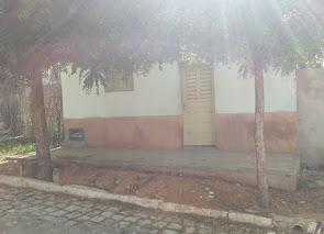 Vende-se uma casa na Rua Miguel Firmo de Brito em Campo Grande