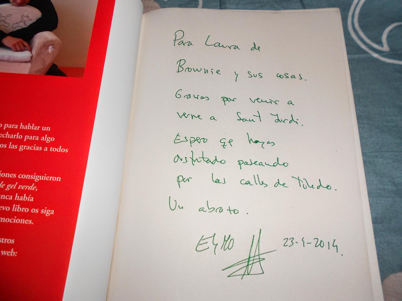 En la firma de libros de eloy moreno autor de lo que encontr bajo el sof y el bol grafo de gel verde efectivamente firmaba con un bol grafo de gel