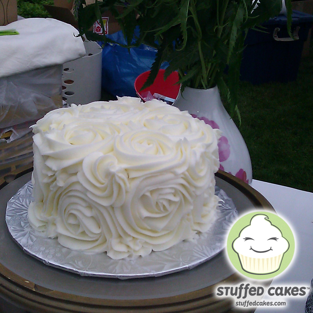 Stuffed Cakes: Rose Wedding Cutting Cake