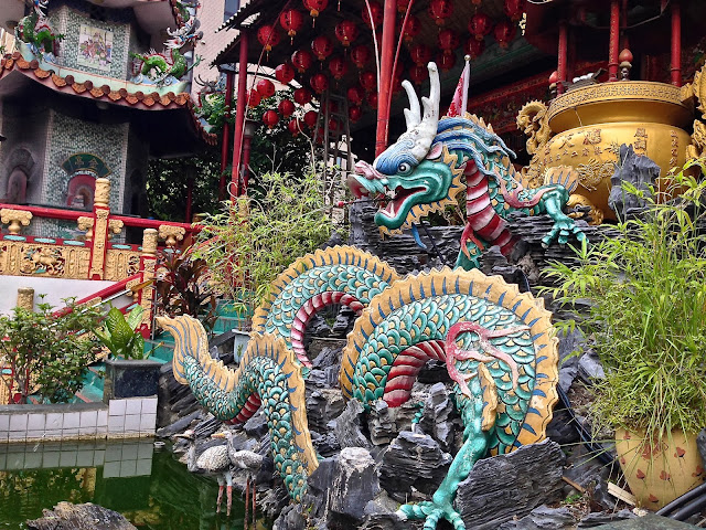 Temple dragon in Taichung, Taiwan