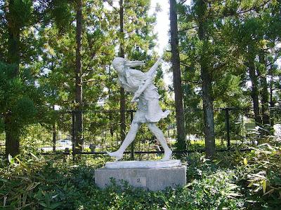 京都府・けいはんな記念公園 水景園 嵐の像