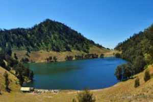 Pesona Ranu Kumbolo Gunung Semeru