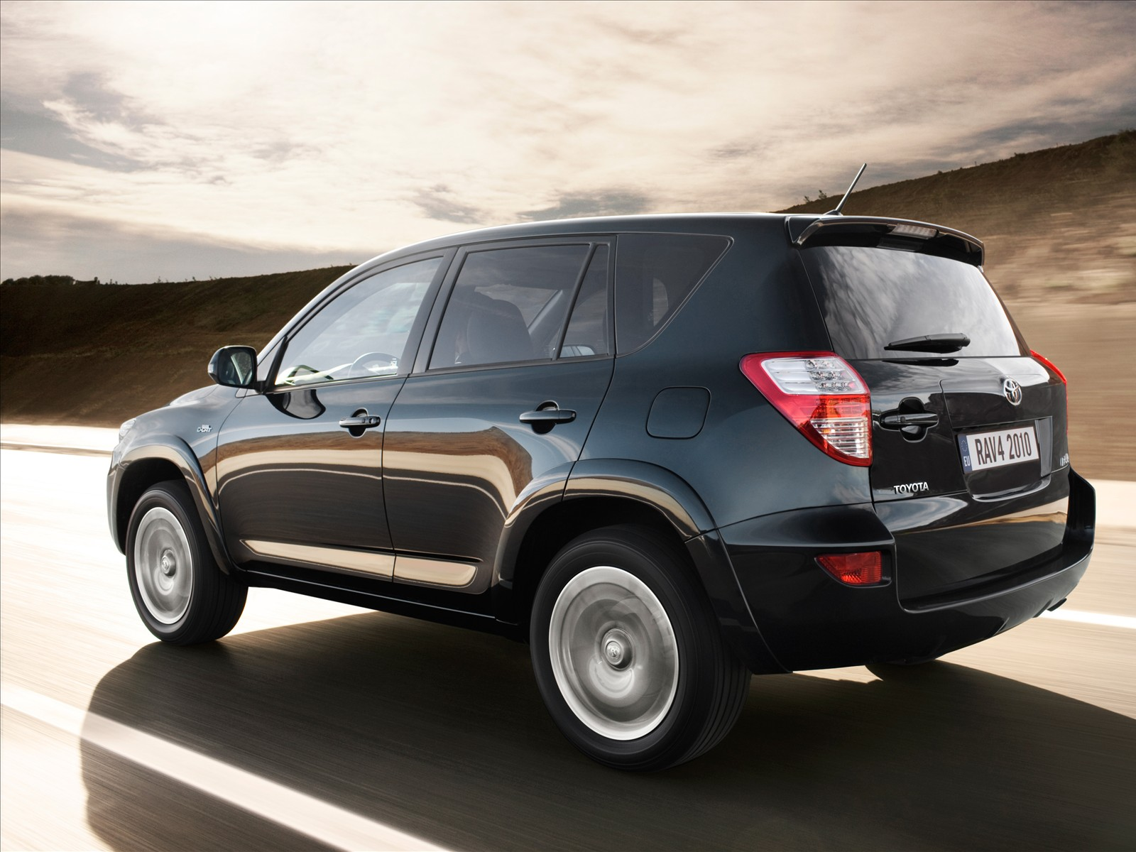 car pictures toyota rav4 2010. Black Bedroom Furniture Sets. Home Design Ideas