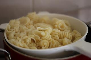 Pasta cá ngừ, cà chua 4