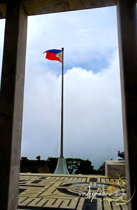 Philipine flag waving the the Shrine of Valor Dambana ng Kagitingan