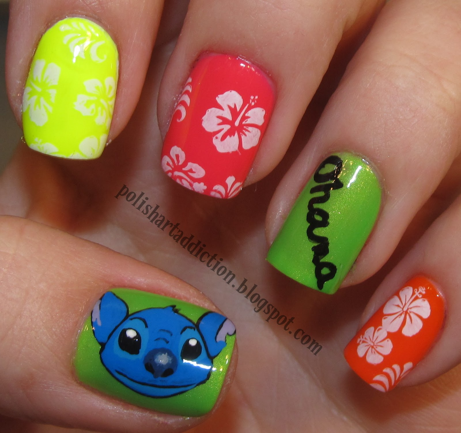 Disney Nail Art: Disney Lilo & Stitch Nail Art