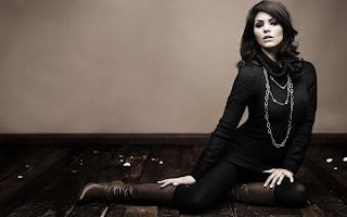 Glamour Brunette Perfect Girl in Black HD Wallpaper