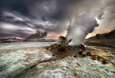 Fenomena Alam Yang Dijuluki Lubang Neraka