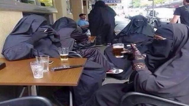 Astagafirullah, Beredar Foto 'Wanita Bercadar' Merokok Sambil Minum Miras