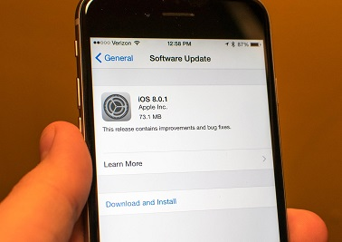 iOS-8.0.1-Update-Breaking-Touch-ID-Cellular-Reception
