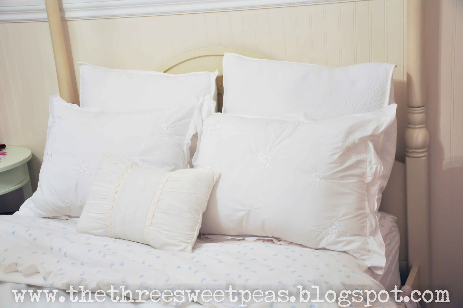 the way the pillows are stuffed are very similar to a down feather pillow minus a lot of the down but by combining two of them you get a very custom looking