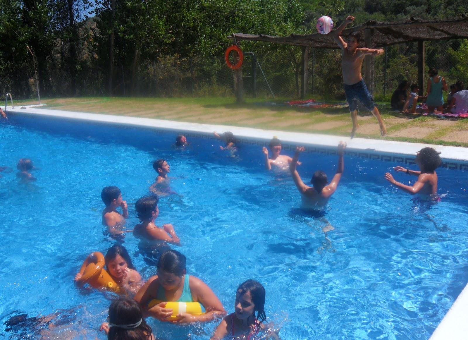 Centro de naturaleza el remolino disfrutando de la piscina for Follando el la piscina