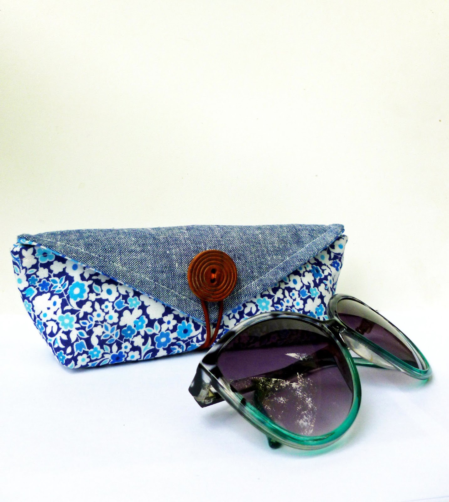 Where the orchids grow liberty stile sunglasses case and for Case in stile