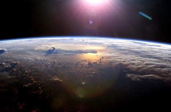Bumi Berada di Jarak Terjauh dari Matahari