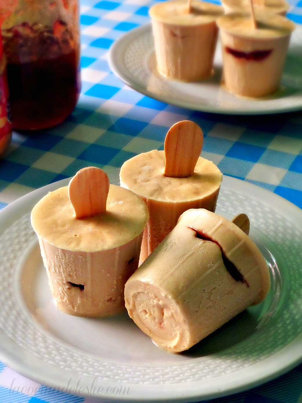 Peanut Butter and Jelly Popsicles - lacocinadeleslie.com